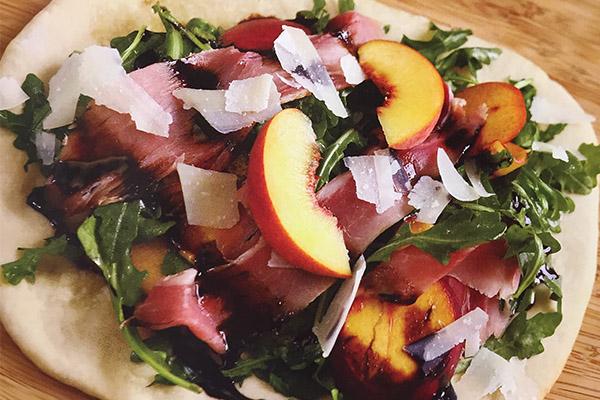 Fresh Peach and Prosciutto Flatbread