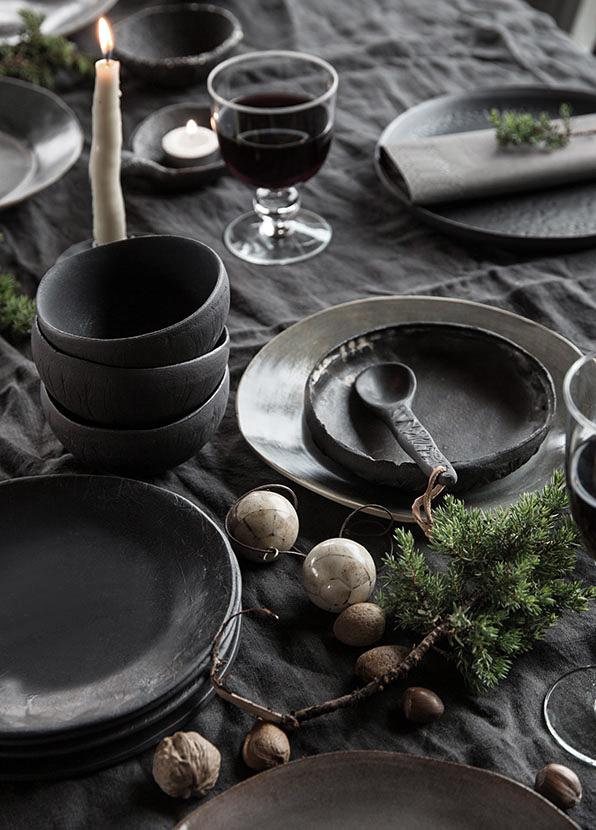 Julebordet blir vakkert med keramikk fra Wik Oslo Foto: Filippa Tredal