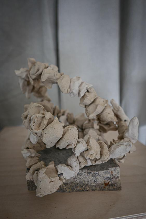 Keramikk skulptur av Ragnhild Wik