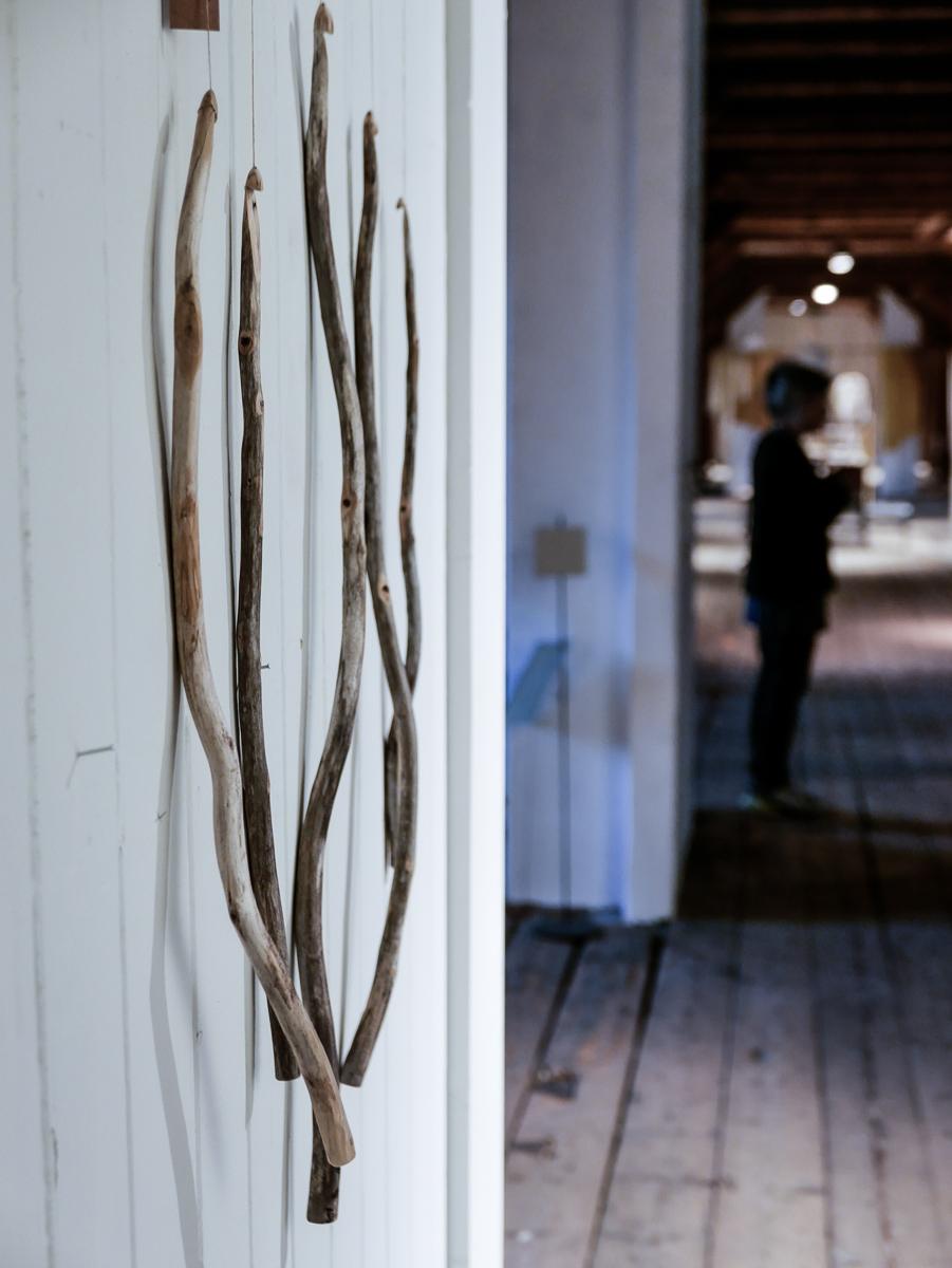 Heidi Bjørnsdatter Thorvik (VØLT) har med de vakreste håndspikkede heklekroker.