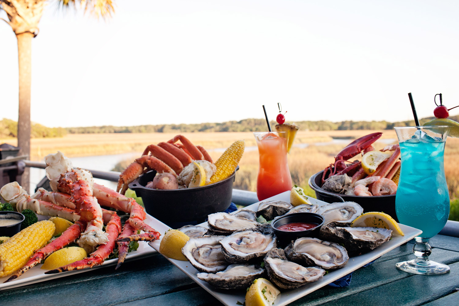 A Hilton Head Seafood Feast - Crab, Oysters, Cocktails!