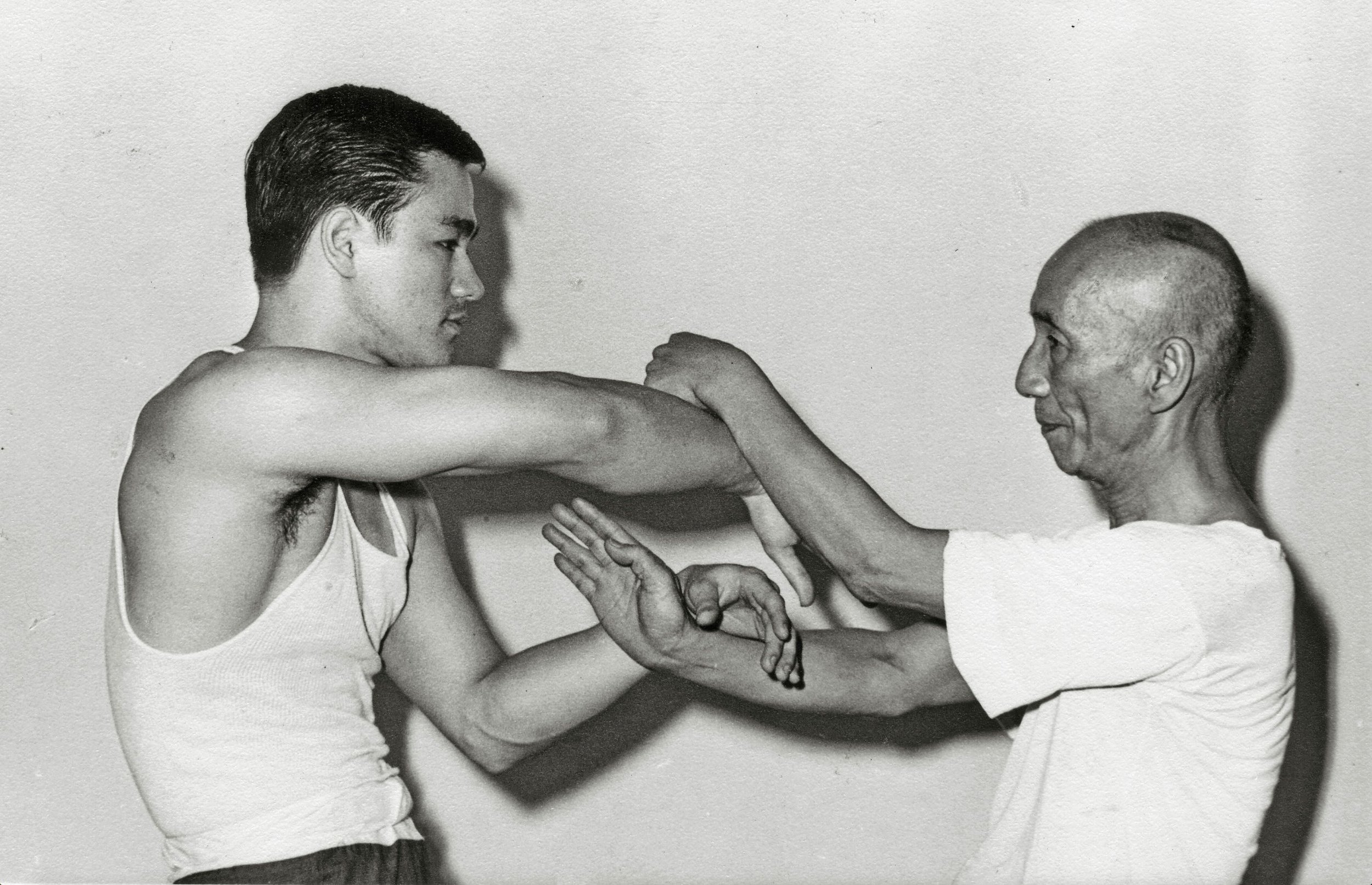 Sijo Bruce Lee with Master Ip Man doing Chi Sao