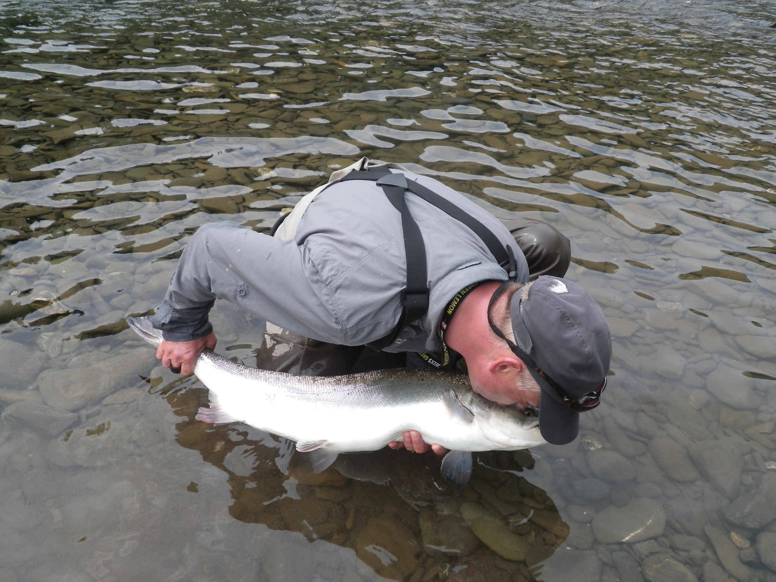 Salmon Lodge regular Thomas Mahanke with his first of 2015, Congratulations Thomas! See you nest year.