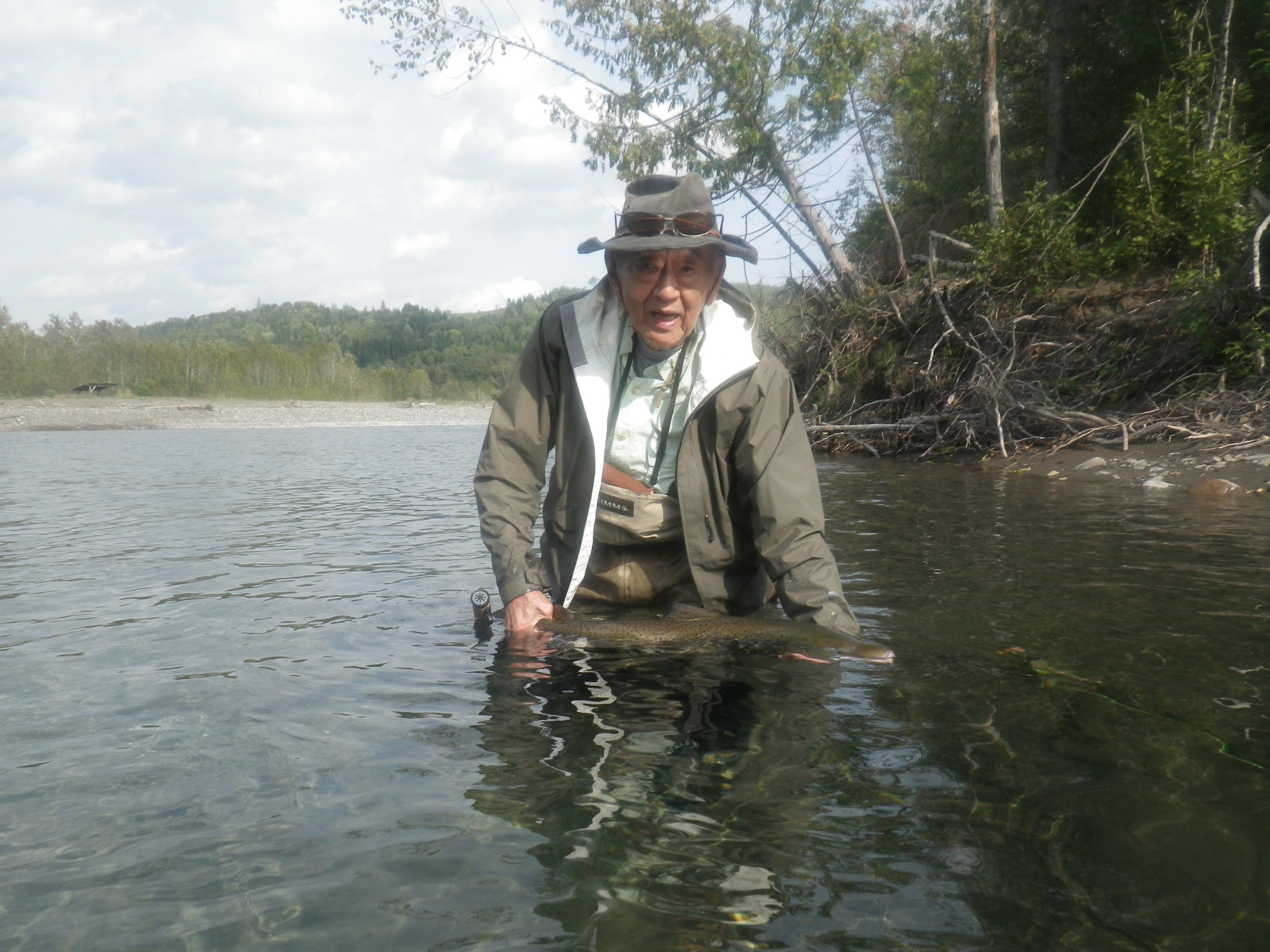 Howard Suzuki should be an inspiration to all anglers, at 87 he still wades and ansdcatches his salmon, Way to go Howard!!!