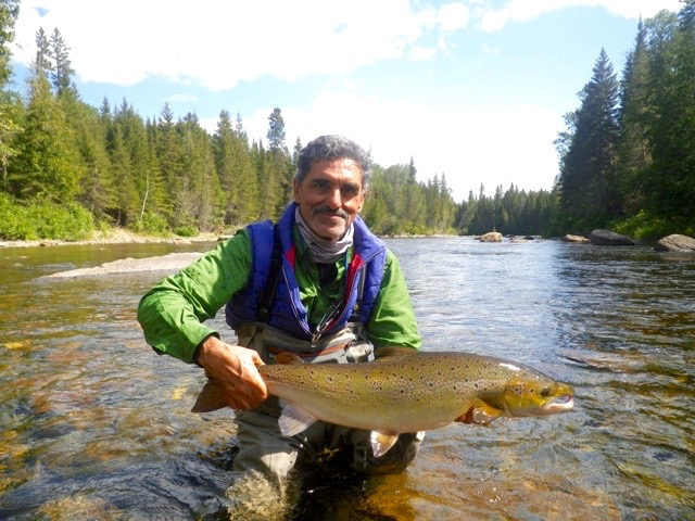 Francis Dhobb is no stranger to Salmon Lodge or salmon fishing, nice one Francis see you next year.