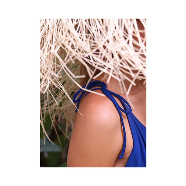 Details of our Olivia One piece in Ultramarine Blue 〰 // #alamarswim #swimwear #madeincolombia #summer #vacations #essentials #newcolors #oliviaonepiece #details #closeup #classic #timeless #design #travel #beach #pool #buenviaje #happyjourney #bonvoyage #alamarthelabel