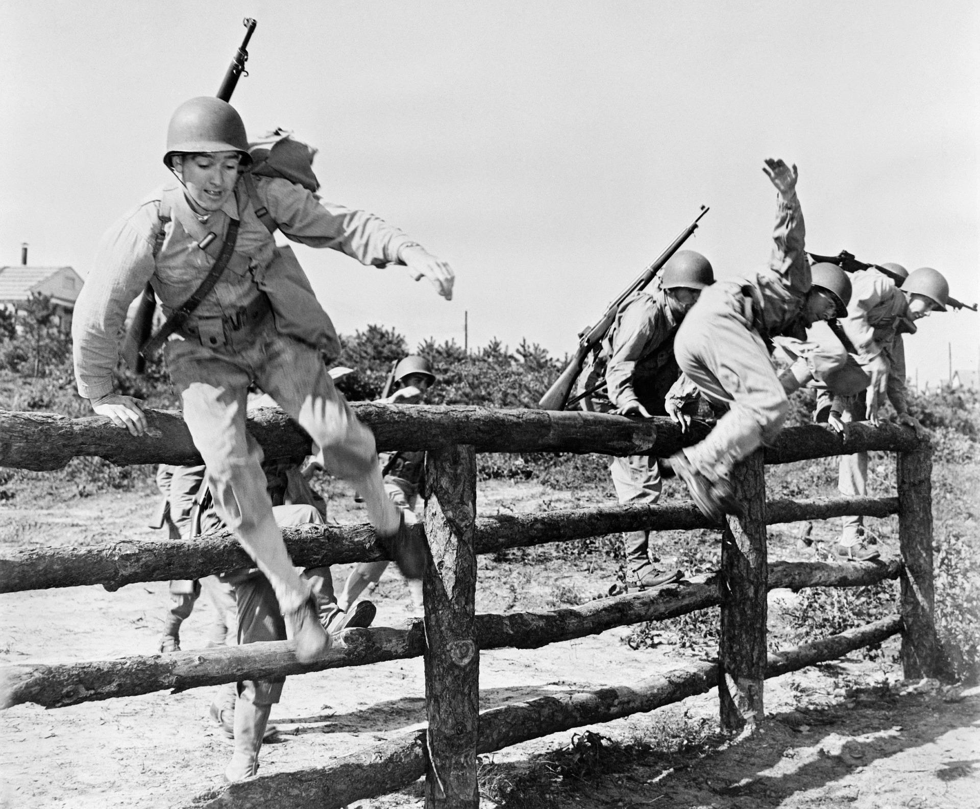soldiers-67731_1920.jpg