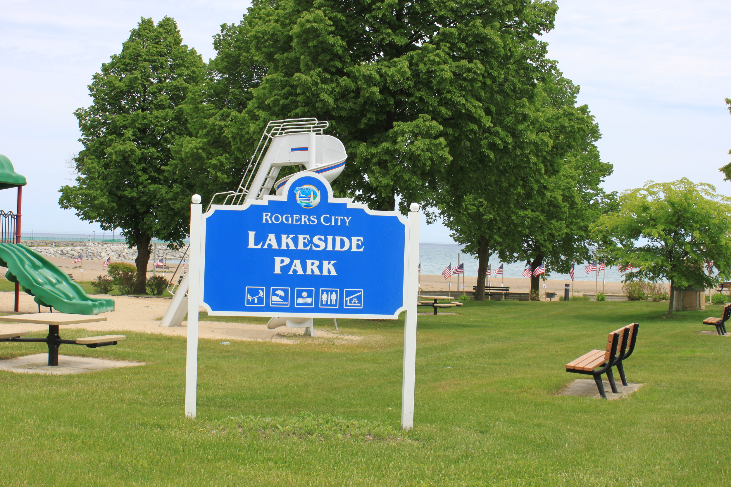 Lakeside Park  - Lake Street10 acres bordering Lake Huron featuring the Rogers City Marina l swimming beach with volleyball courts, playgrounds, basketball courts, and a large pavilion. The park also is home to a sailor's memorial, a large band shell.