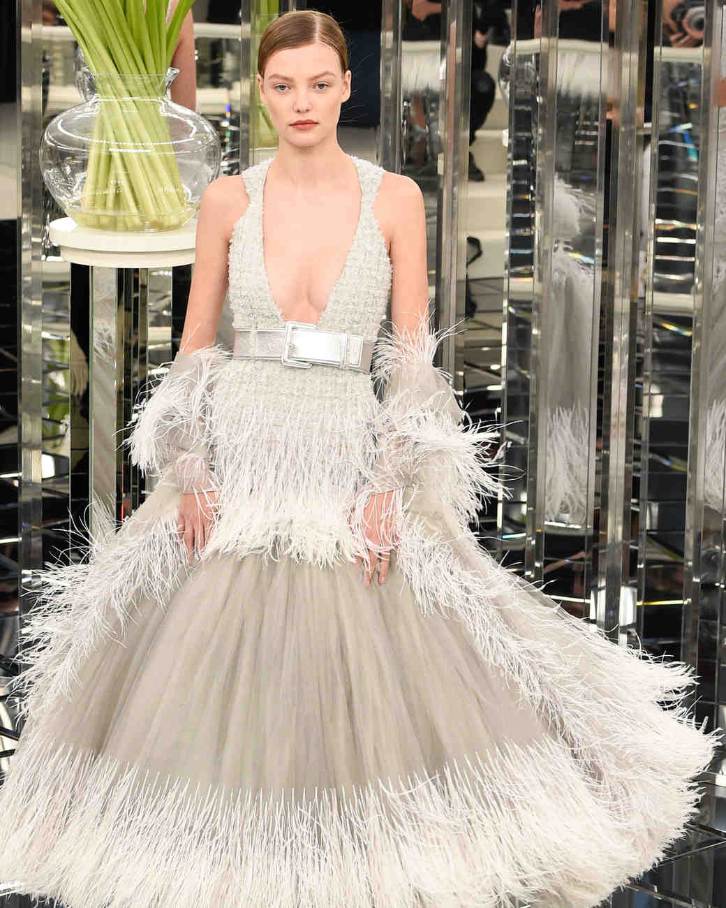 chanel-couture-spring-2017-0117-002_vert.jpg