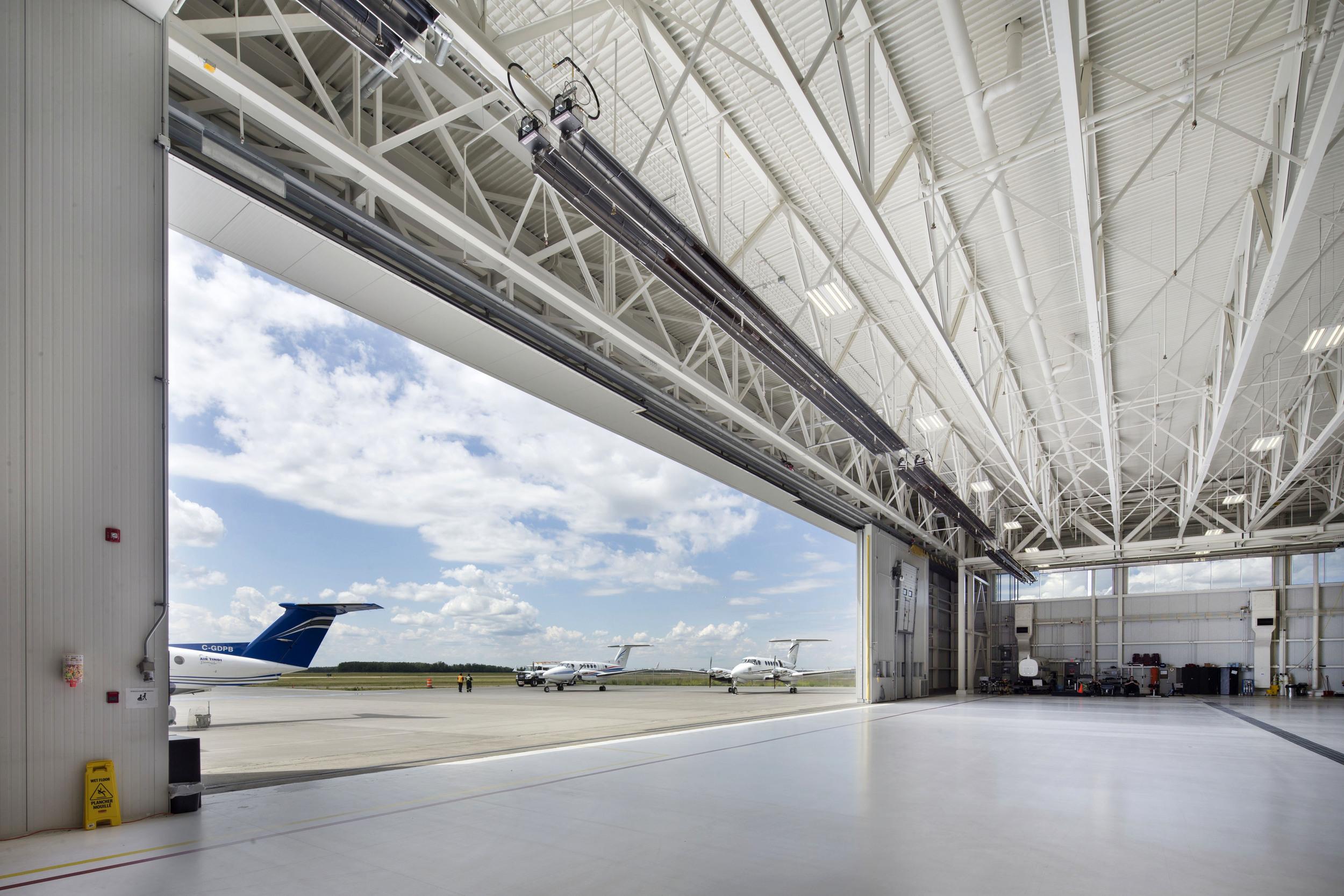2015_025_YEG_Hangar-1680.jpg