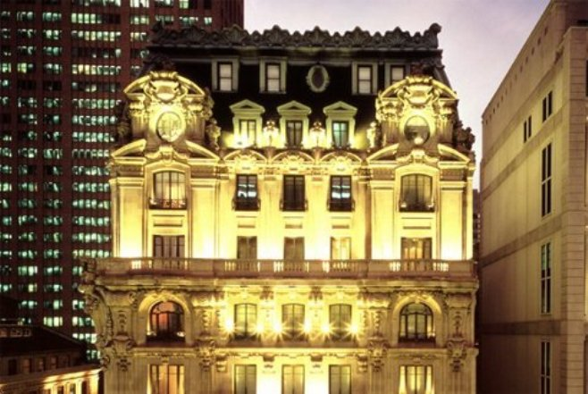 The_St__Regis_Hotel,_New_York-view.jpg