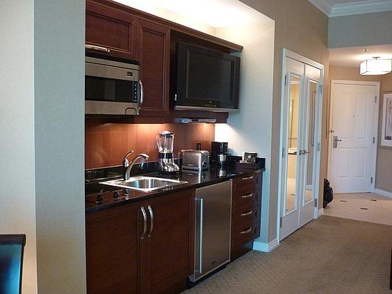 Sig JR Suite Kitchenette.jpg