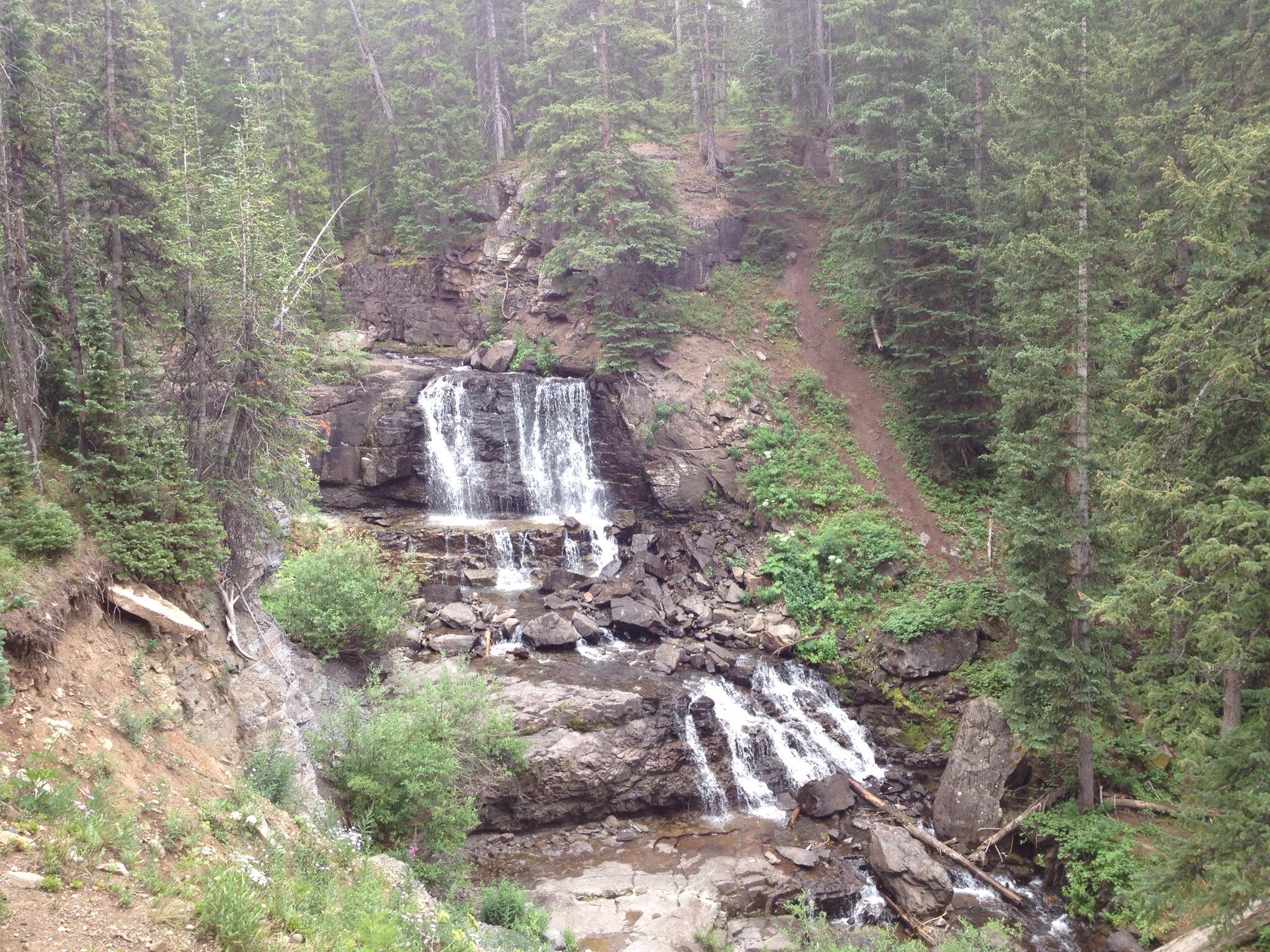 Lake Irwin Waterfall