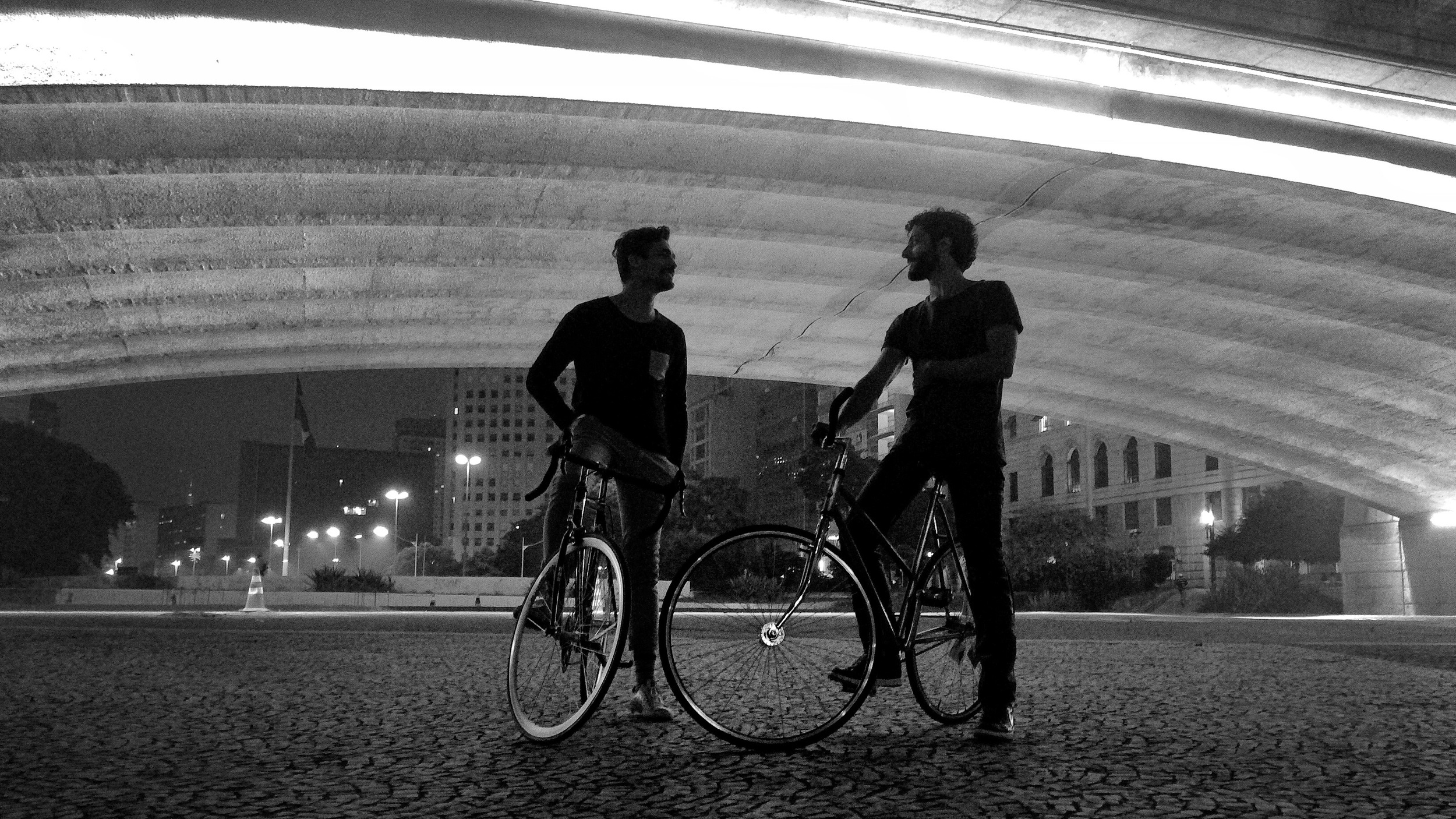 Cris Grego + Caio Zaccariotto