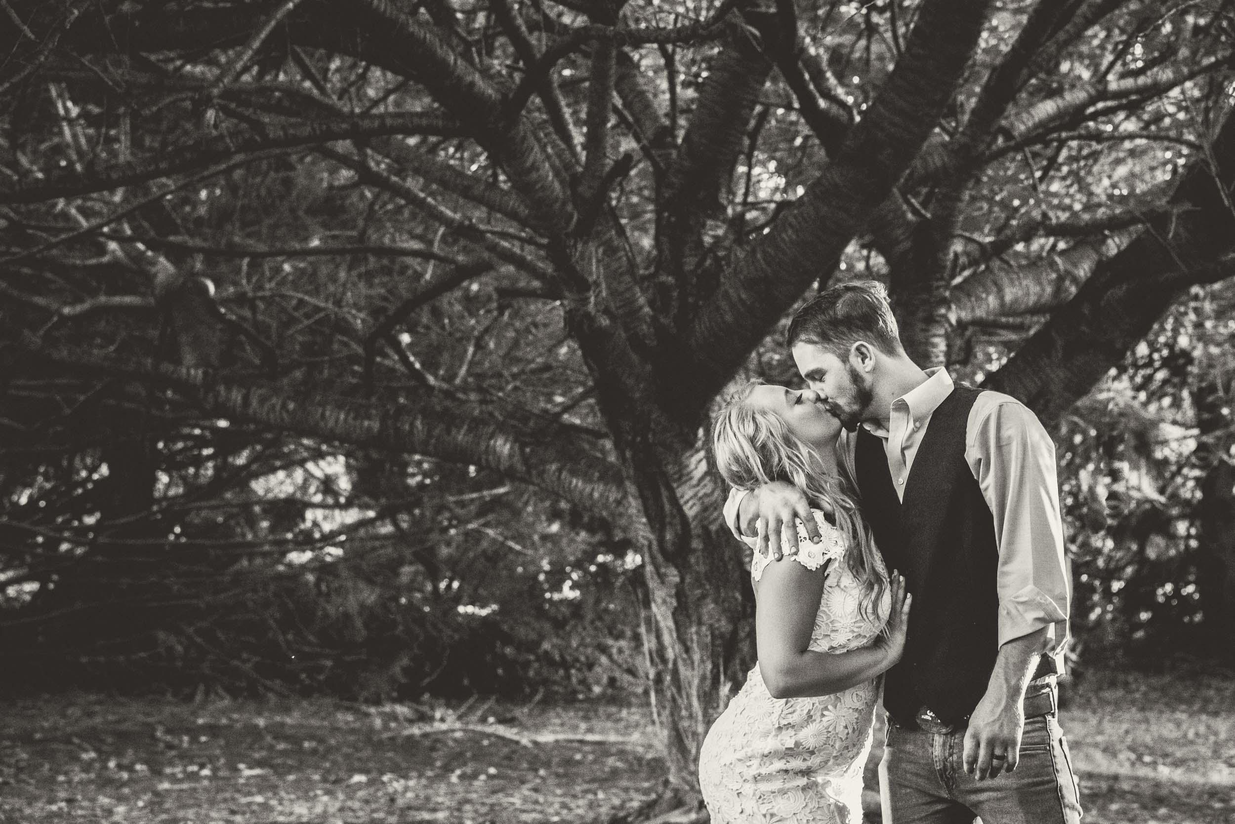 ChanceandMelanie_Dunkirk_Southern_Maryland_Backyard_DYI_Wedding(40of65).jpg