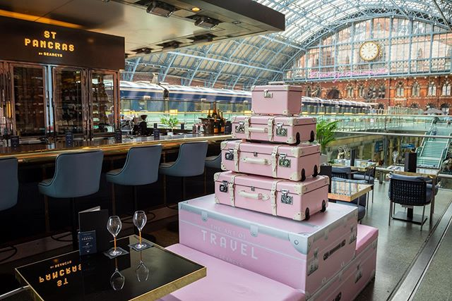 INTRODUCING 💕 'the art of travel'  @searcystpancras we loved creating this Summer Pop Up in the 🖤 of London's iconic St Pancras Station ..pop down for a glass of @veuveclicquot and some fabulous cocktails this summer 💫⭐️💫