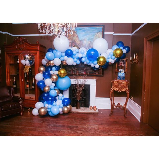 Throwing it back to a 30th birthday dinner we whipped up in February. @bambamballoons created the gorg balloon arch. 🎈🎈 #eventplanner #london #celebration
