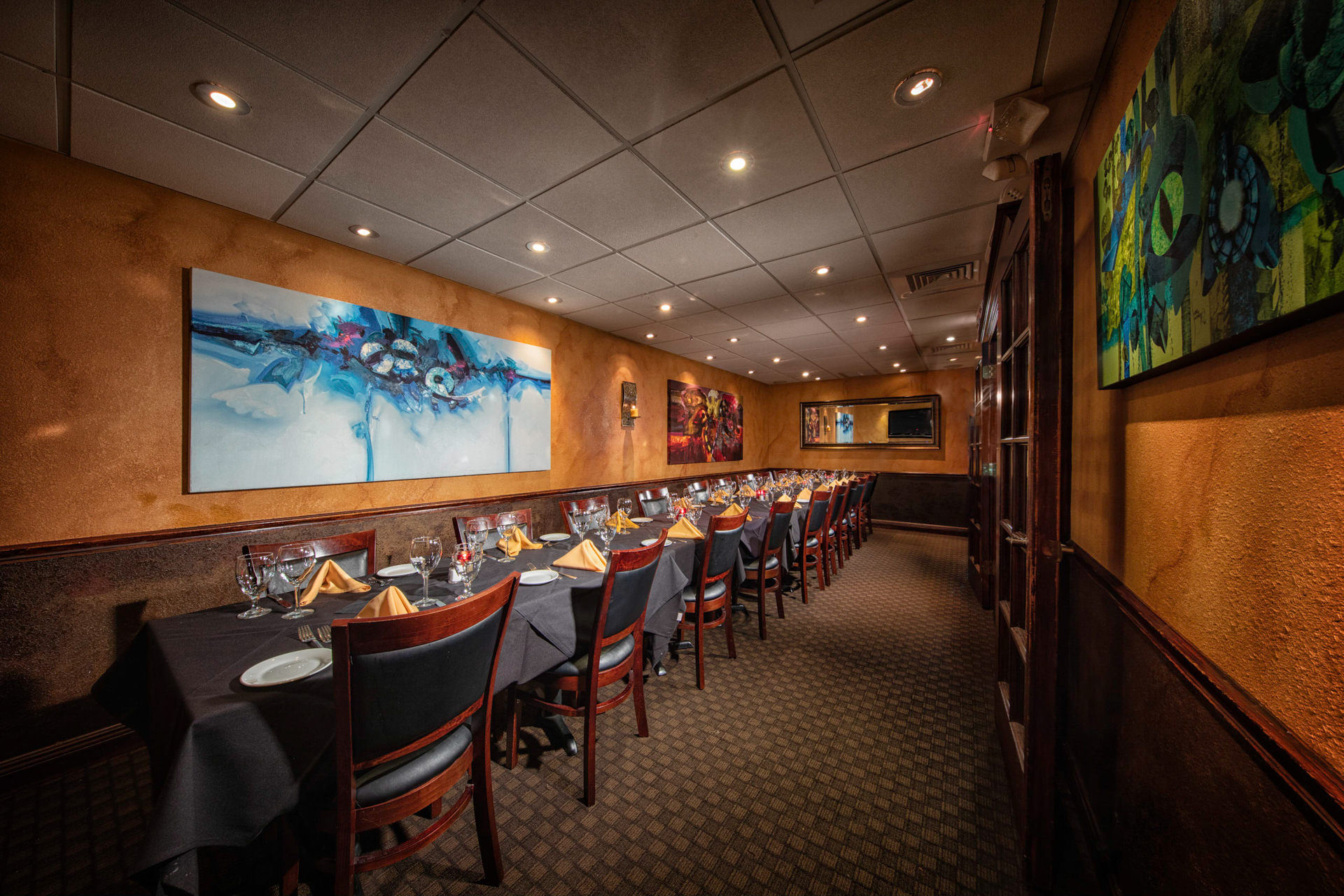 BACKROOM - HOLDS UP TO 26 GUESTS. HAS A 55 INCL FLAT SCREEN TV TO BE CONNECTED TO LAPTOP USING AN HDMI CORD. $1,000 F&B MIN TUESDAY-THURSDAY. NO ROOM RENTAL FEES OR AV FEES.