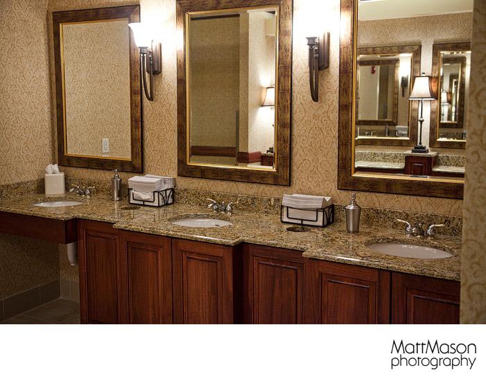 Hilton Garden Inn Milwaukee Bridal Elegant Bathroom