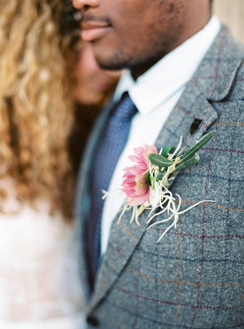 WeddingSparrow-PhotographybyIntoTheLight-Macias-lordan.com-ONLINESHARING(01cof50).jpg