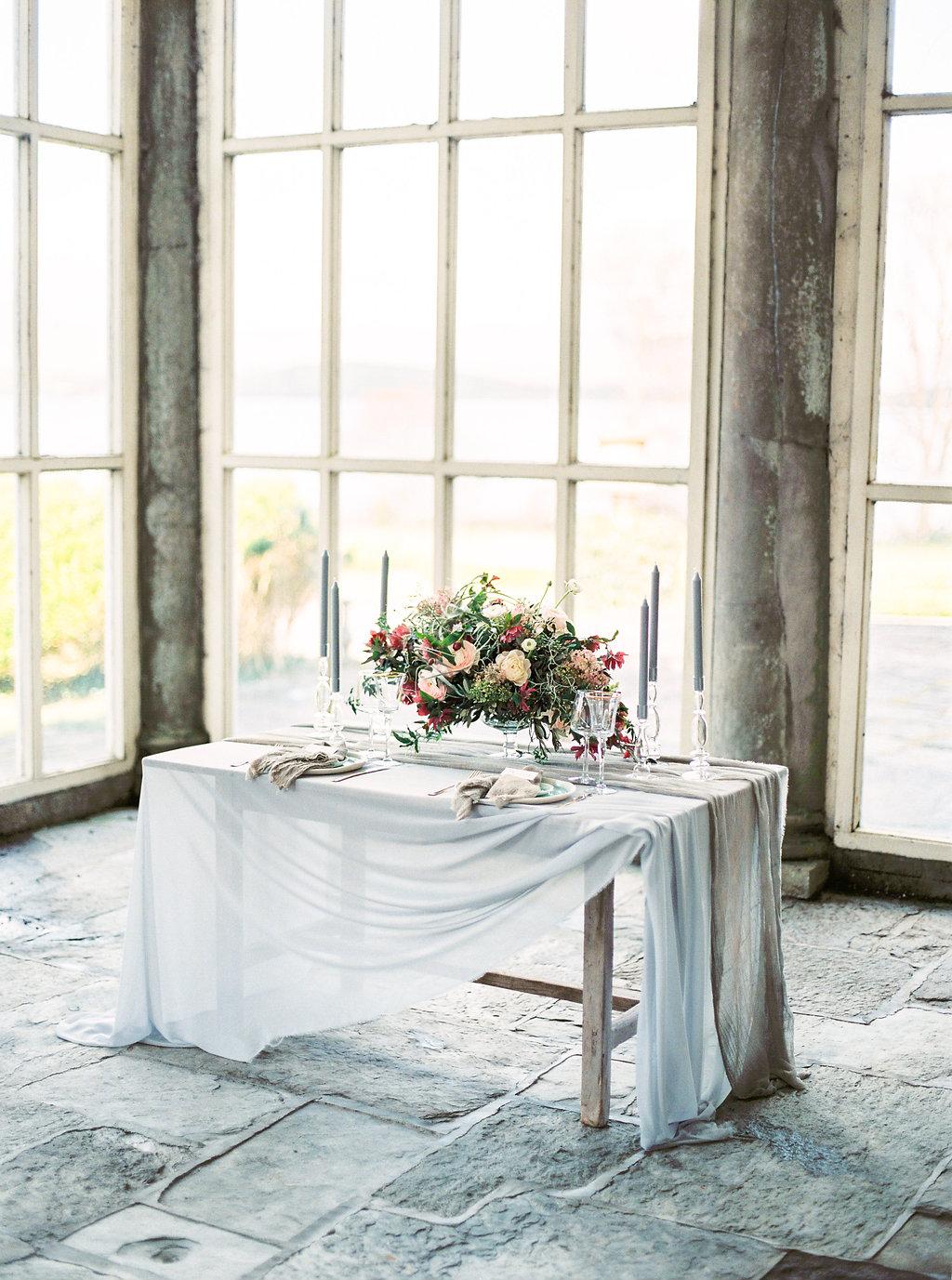 WeddingSparrow-PhotographybyIntoTheLight-Macias-lordan.com-ONLINESHARING(1of50).jpg