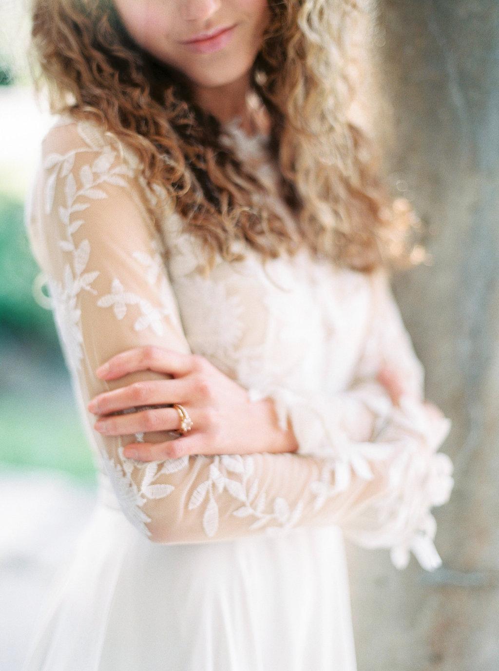 WeddingSparrow-PhotographybyIntoTheLight-Macias-lordan.com-ONLINESHARING(23of50).jpg