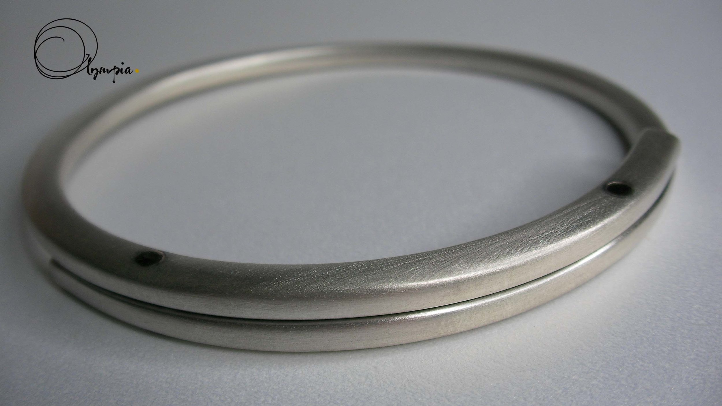 pure cold connection bangle.jpg