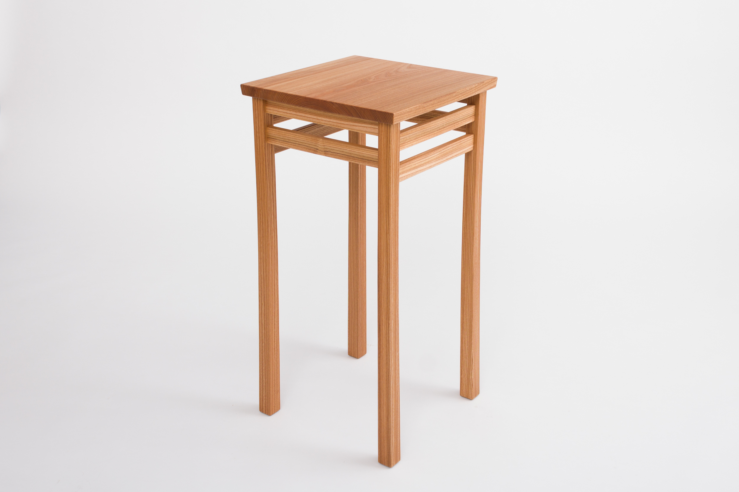 Lilla End Table