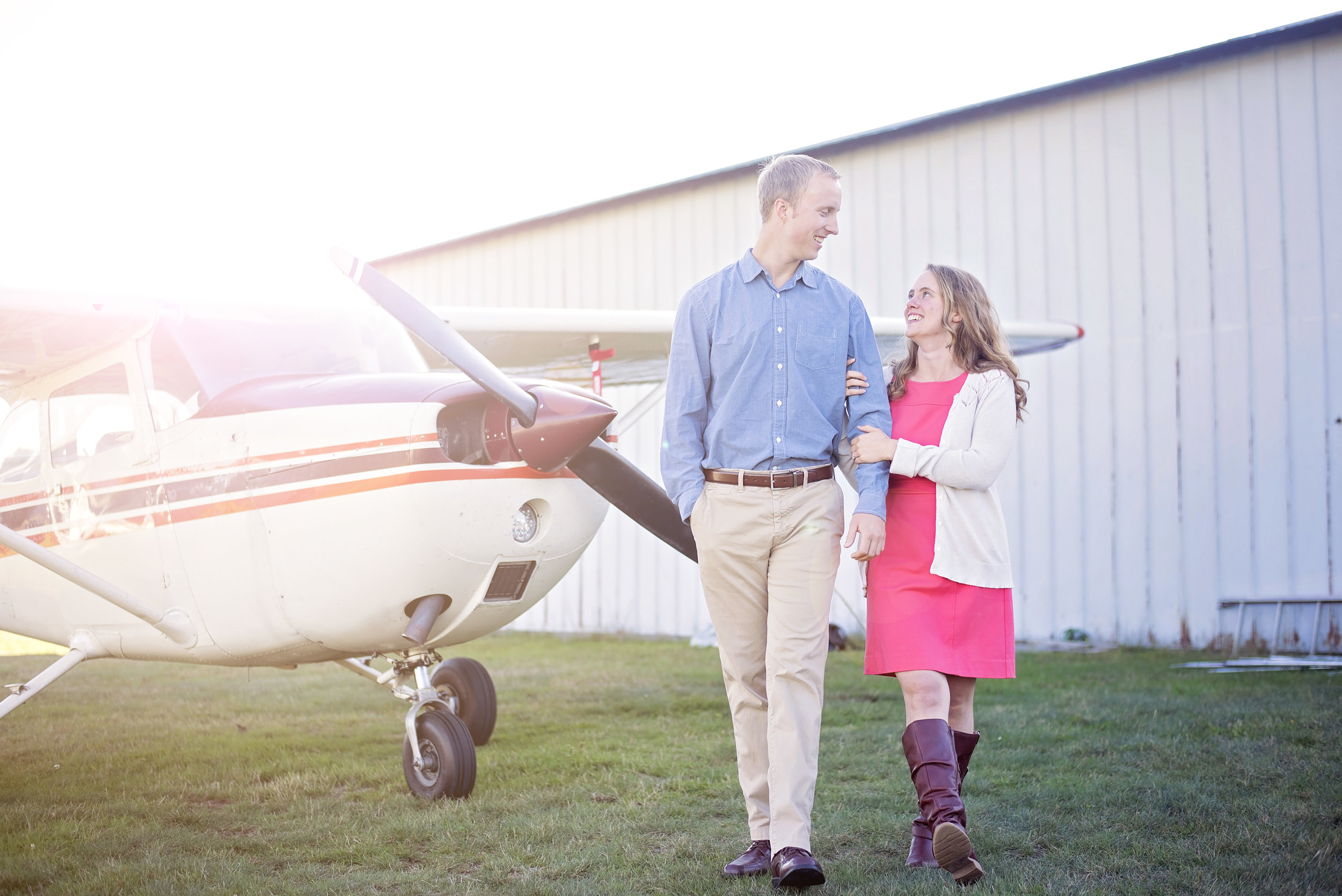 Hampton Airfield | Moriah and Jon | Engagement