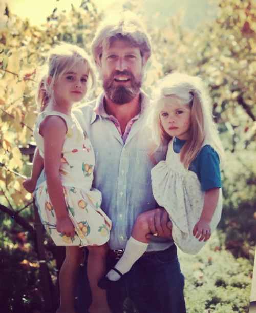 larry_and_young_daughters.jpg