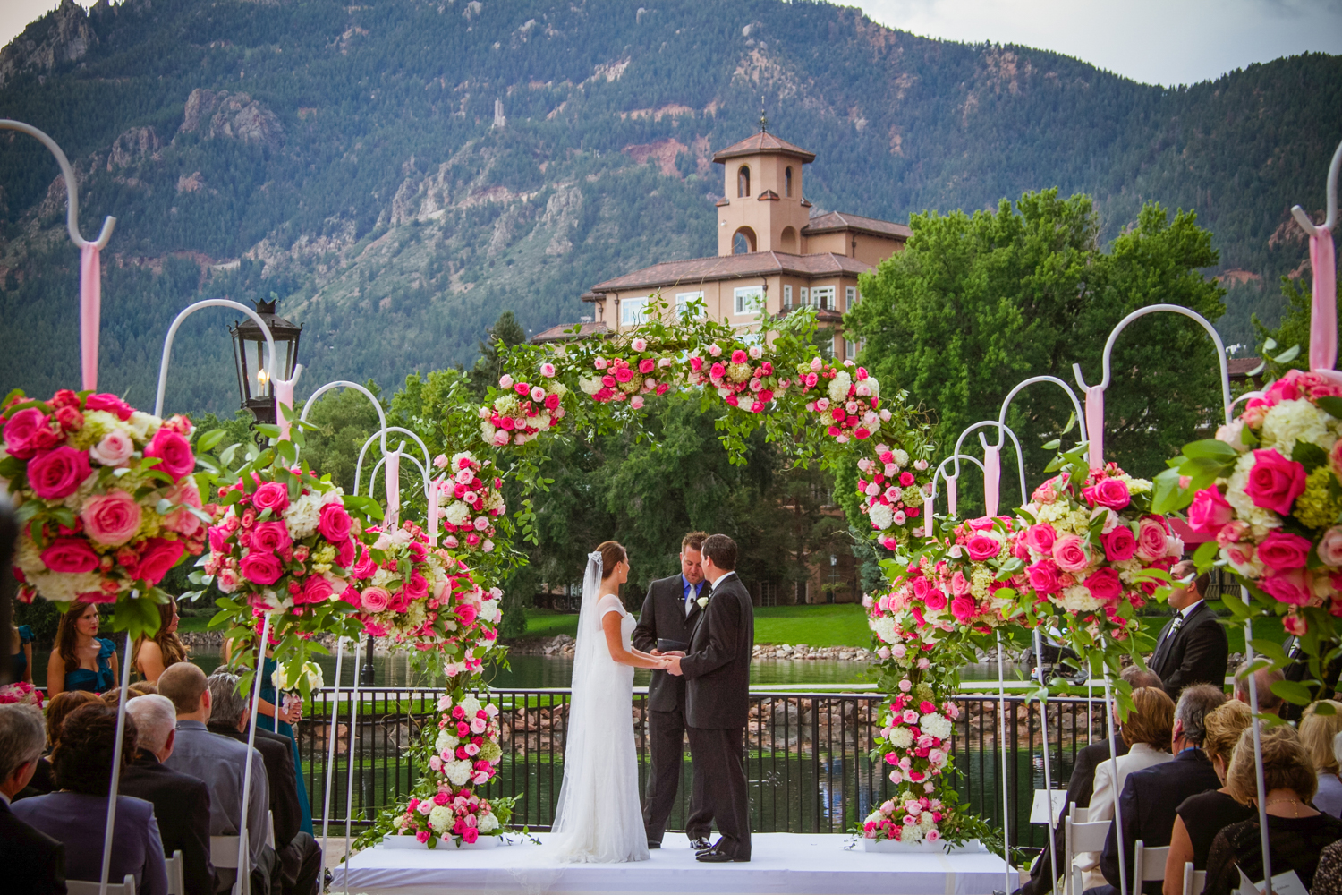 PaigeEden_Weddings_Broadmoor_024.jpg