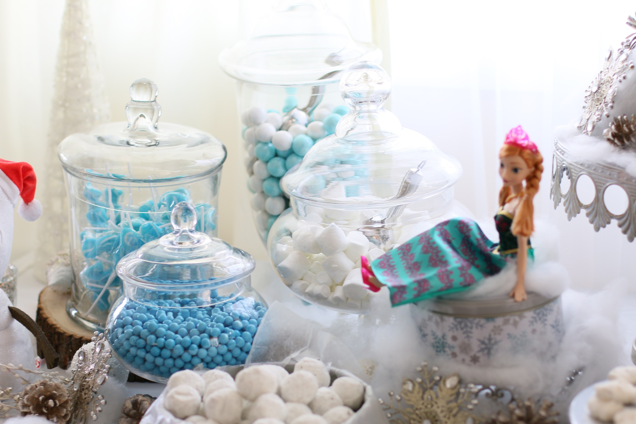 Candy Station Rental for a Frozen Party @inJOYtheParty