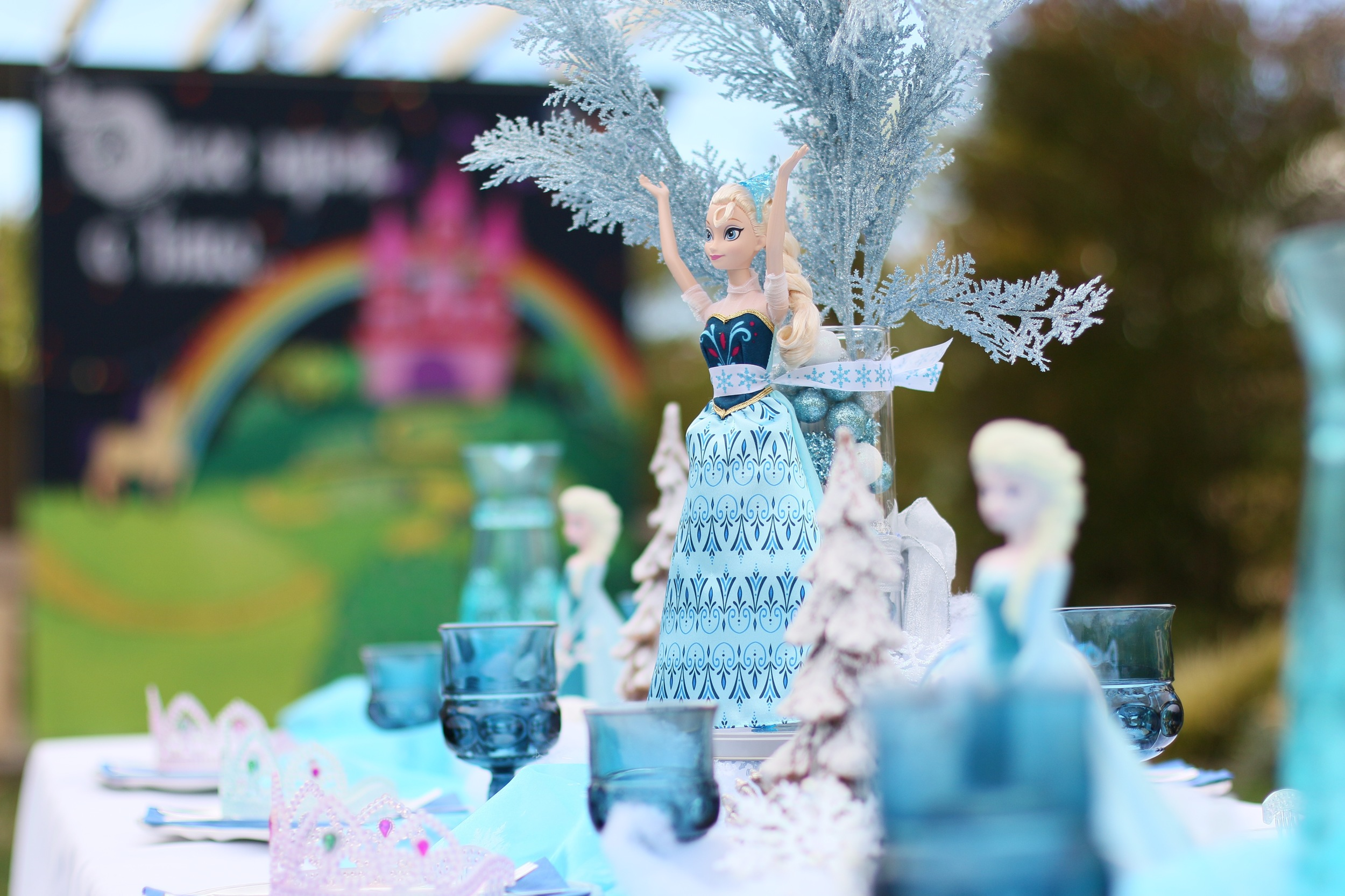 Amazing Frozen Centerpieces for rent! @inJOYtheParty