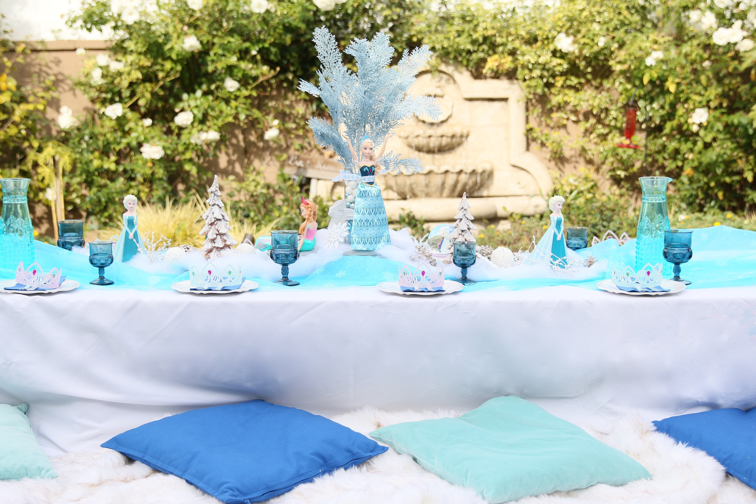All this available to rent for your FROZEN party! @inJOYtheParty
