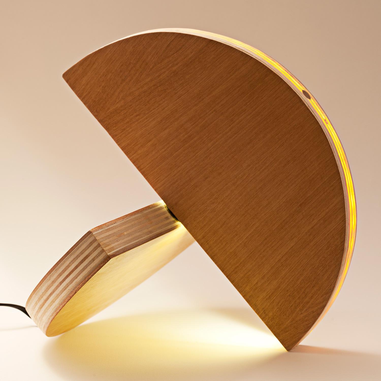 unisono.produzioni.lampada.lulu_01.jpg