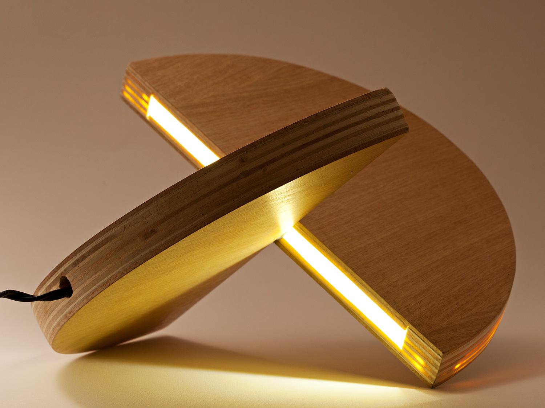 unisono.produzioni.lampada.lulu_06.jpg