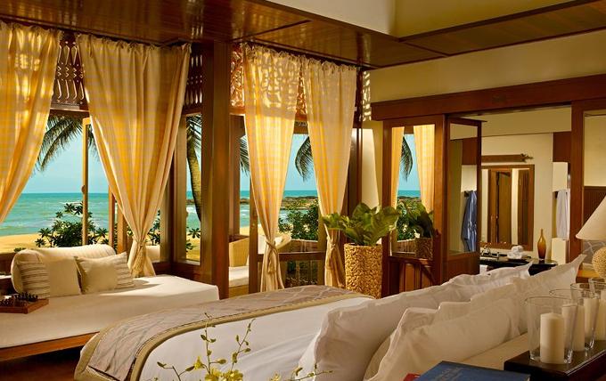 Tanjong_Jara_Resort_-_Anjung_Room.jpg