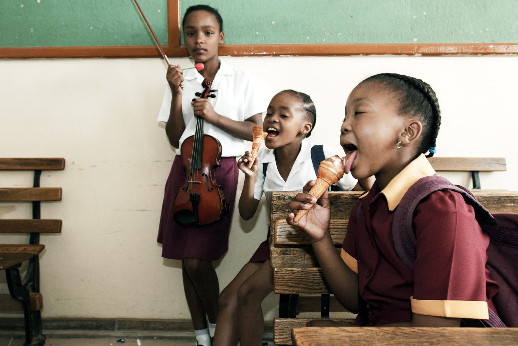 Violin class, Joe Slovo Primary, Heidedal/Bloemfontein.