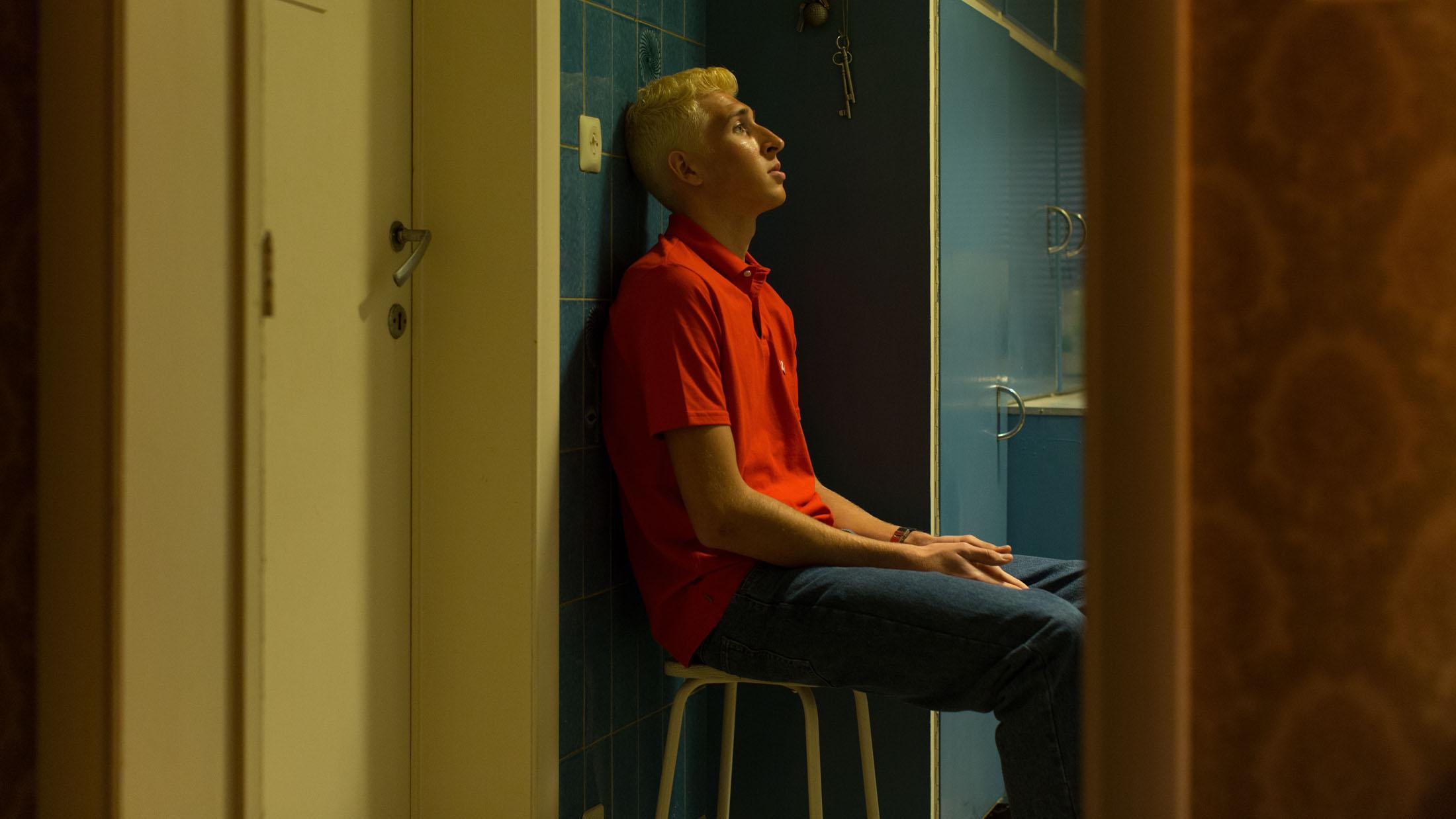 Niels Willaerts in COUREUR directed by Kenneth Mercken. DoP Martijn van Broekhuizen - Courtesy Czar