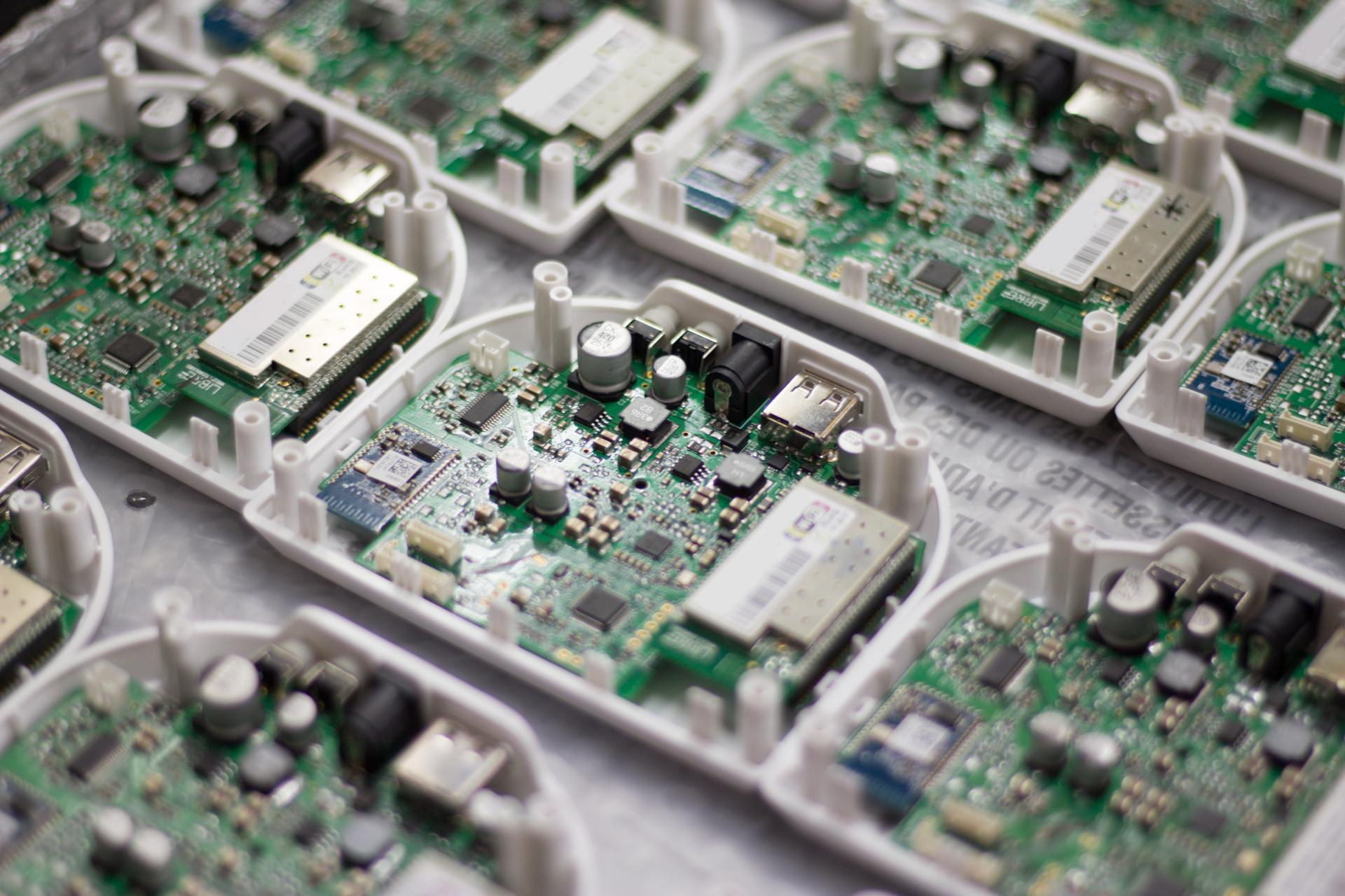 Kello motherboards