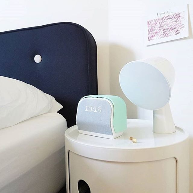 One of the most stylish nightstand we've ever seen 💚 (and it has nothing to do with that gorgeous Mint Green Kello!). Thanks @aalicialala 😍#HelloKello #Design #Nightstand #Scandinavian #Stylish #Classy