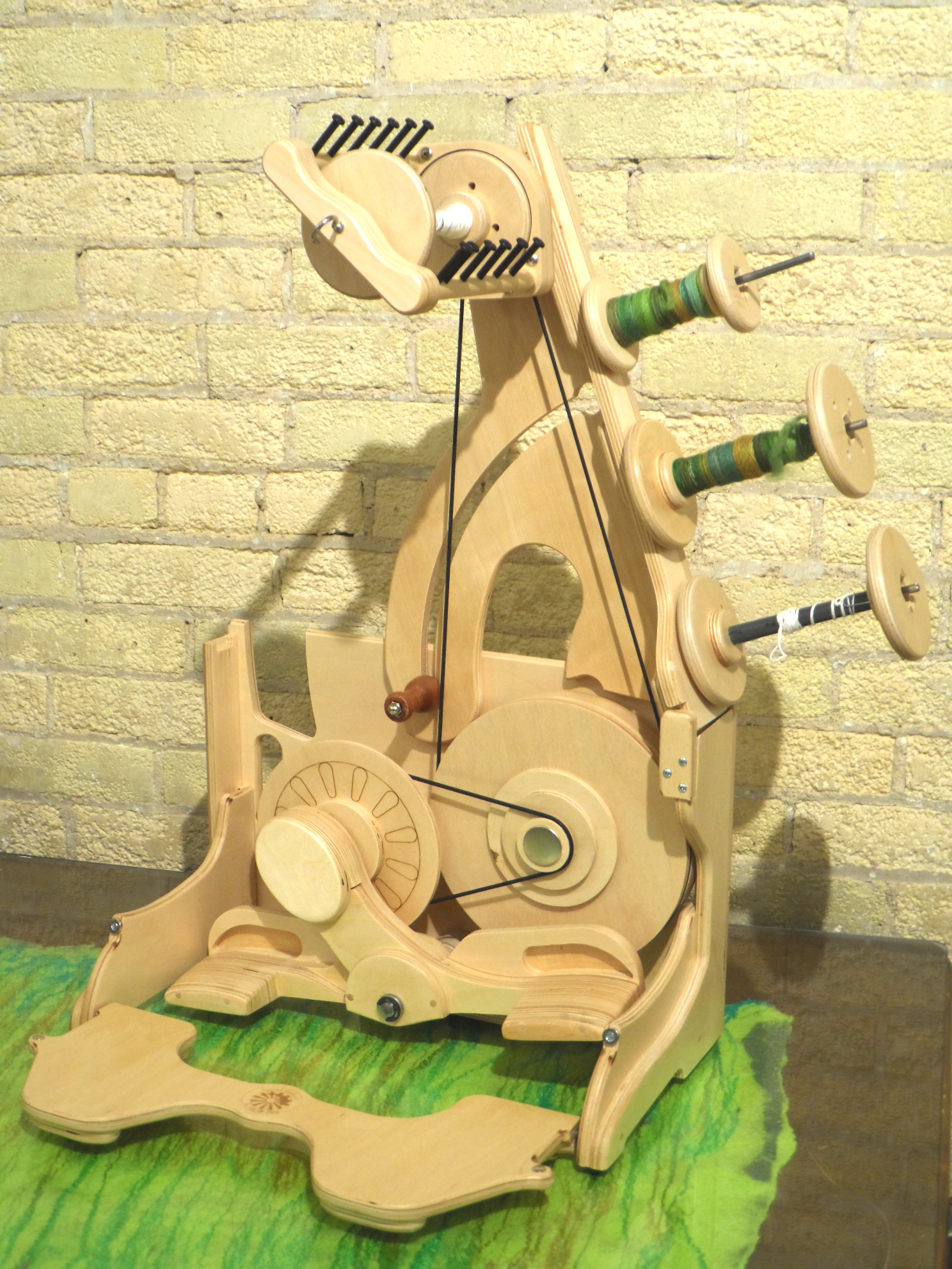 Bee Travel spinning wheel From SpinOlution