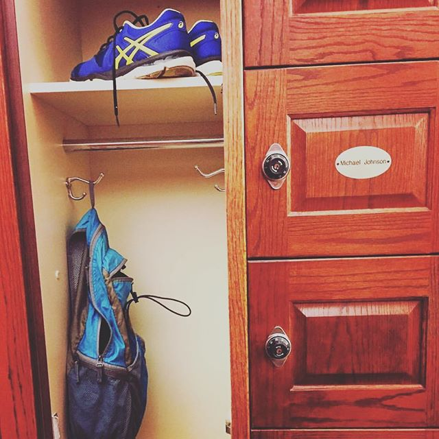 Repost @thunderj7  1. Share a locker next to the former US Olympic sprinter Michael Johnson. 2. Train at the coveted Elite Performance Center.  Sounds like a dream bucket list of any sprinter. Well, this just happened for our sprinter Joseph Joe. #ChristmasCameEarly #ImpossibleisTemporary