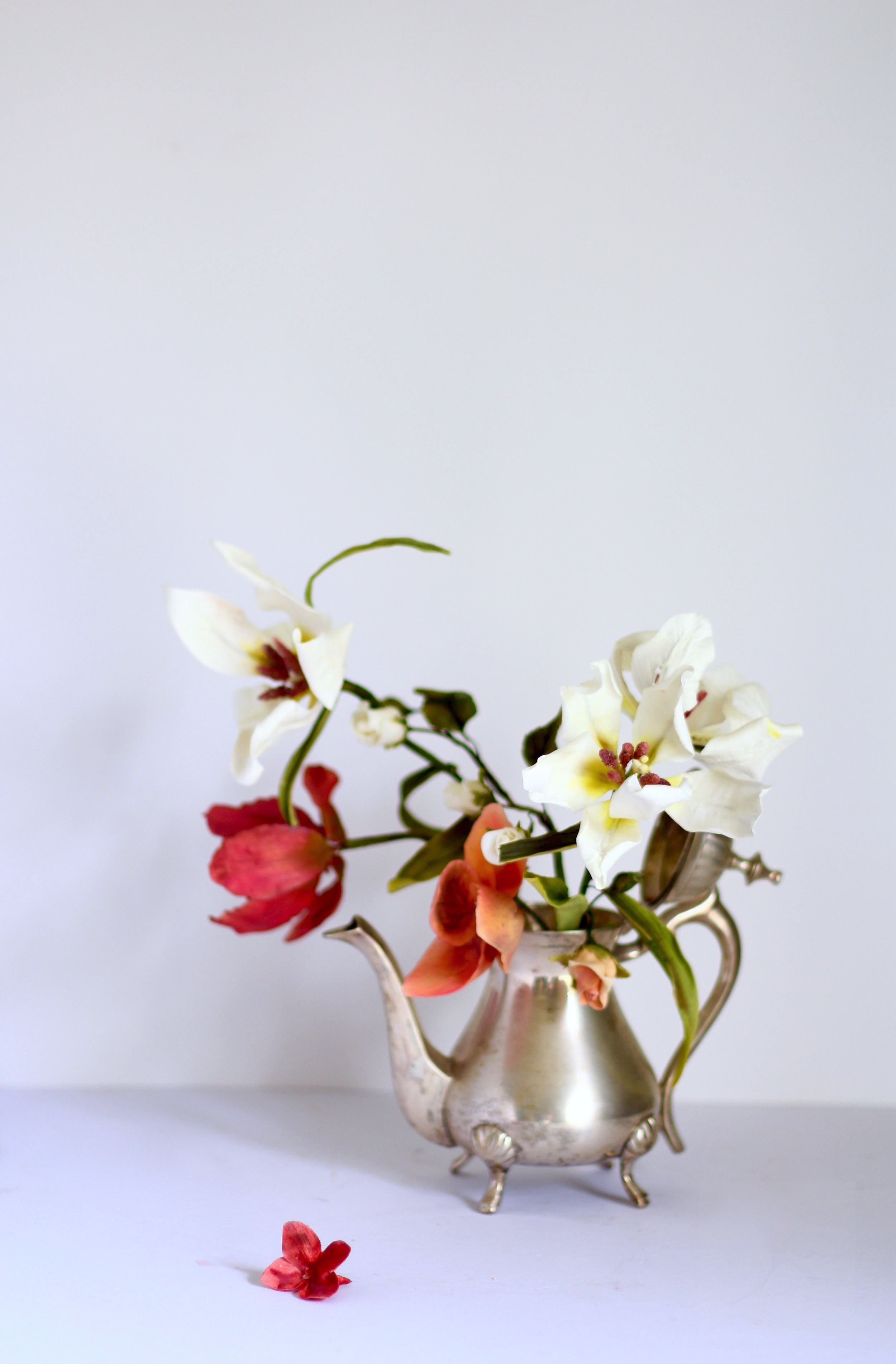 sugar flower arrangement by jaime gerard cake