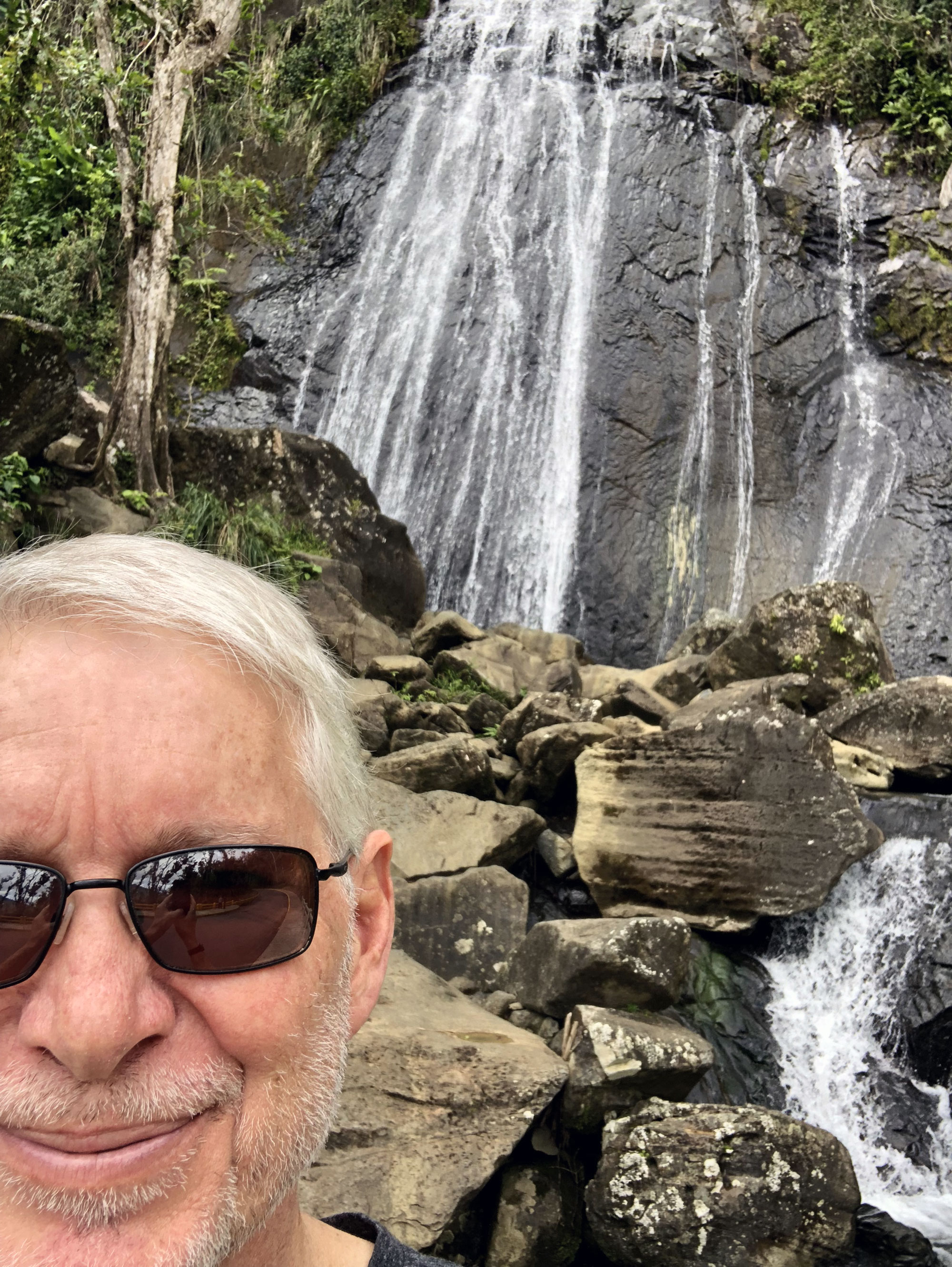 """Everyone takes a """"selfie"""" at La Coca Falls!"""