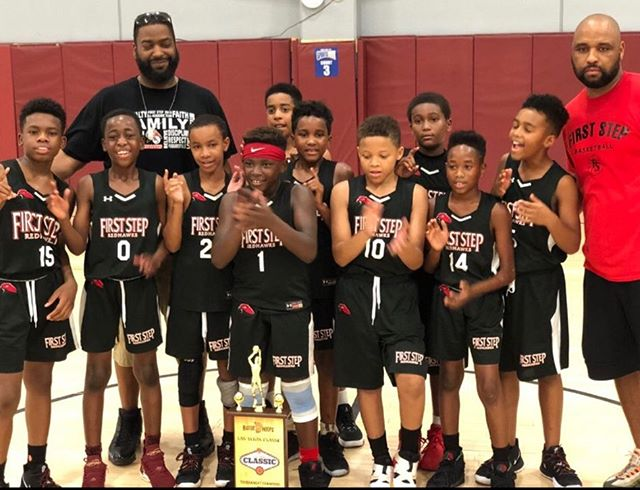 Introducing 2019 Bigfoot Hoops Classic 10U Silver Champions. After a rough couple of days the young RedHawks pulled it together for a 3 game playoff run bringing home the hardware #redhawks #FSbasketball 🏀🏆🥇