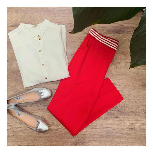 Une touche de rouge apporte du dynamisme à votre tenue.  #lamallefrancaise #soyezvousmeme#boxmode #styliste #ootd  #Tinsels #Blune #Bagllerina