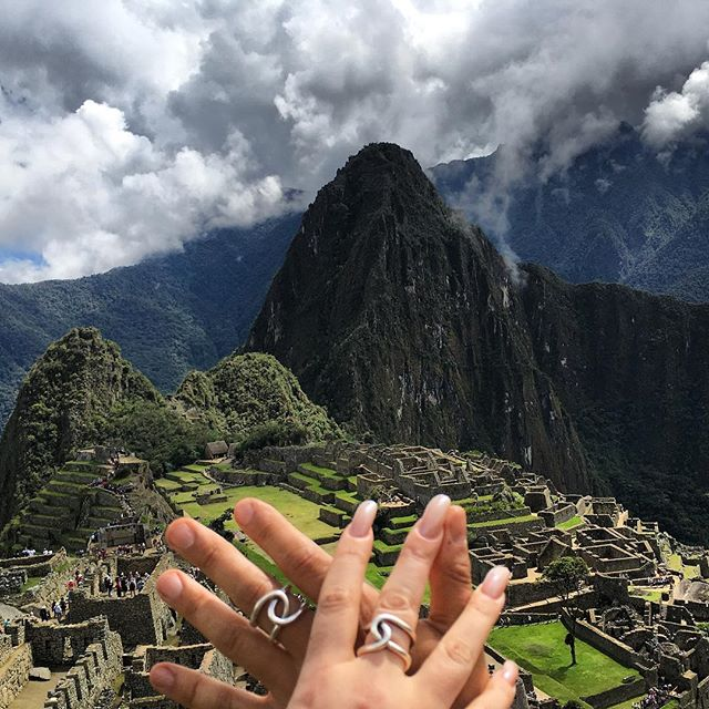 #channeling #machupicchu with @bella10839 . . . . #travel #roadshow #studio #workshop #fashionaccessories #jewelrygram  #fashion  #incatrail #peru #new #womensaccessories #finejewelry .  #interiordesigner #designs #mindtheminimal #ファッション #style #スタイル #art  #アート #ジュエリー  #beauty #essential #luxury #luxurydesigner #ifyouseesomething #cantaranita