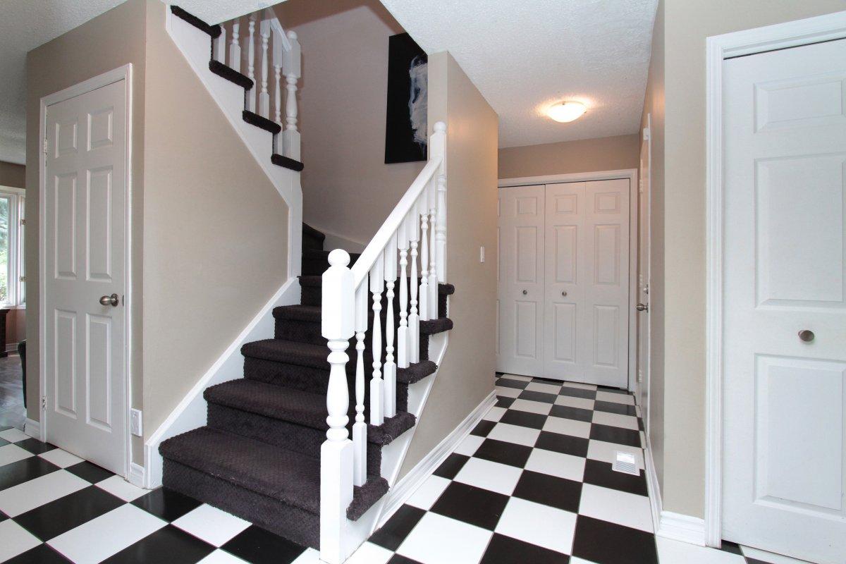 05stairs.jpg