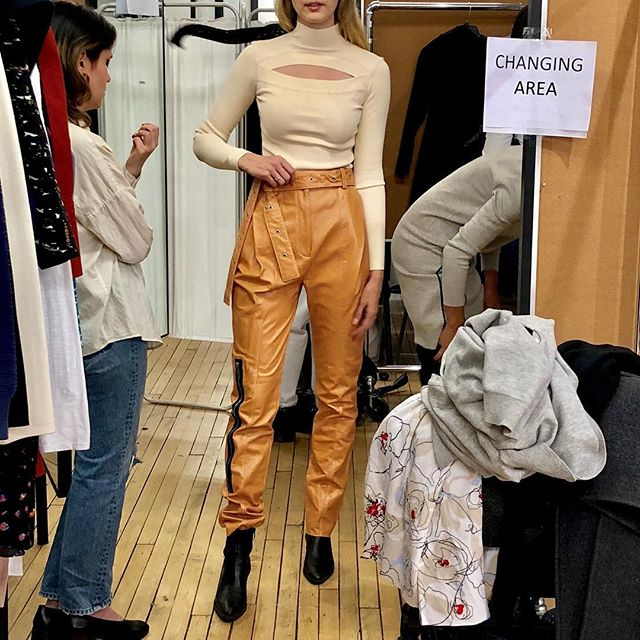 Styling your model friends at a sample sale bc u definitely aren't sample size #lol